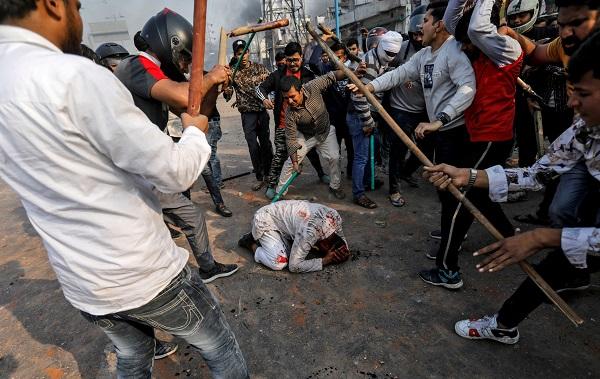 الهند: ارتفاع عدد ضحايا أسوأ موجة عنف طائفي إلى نحو 35 قتيلا