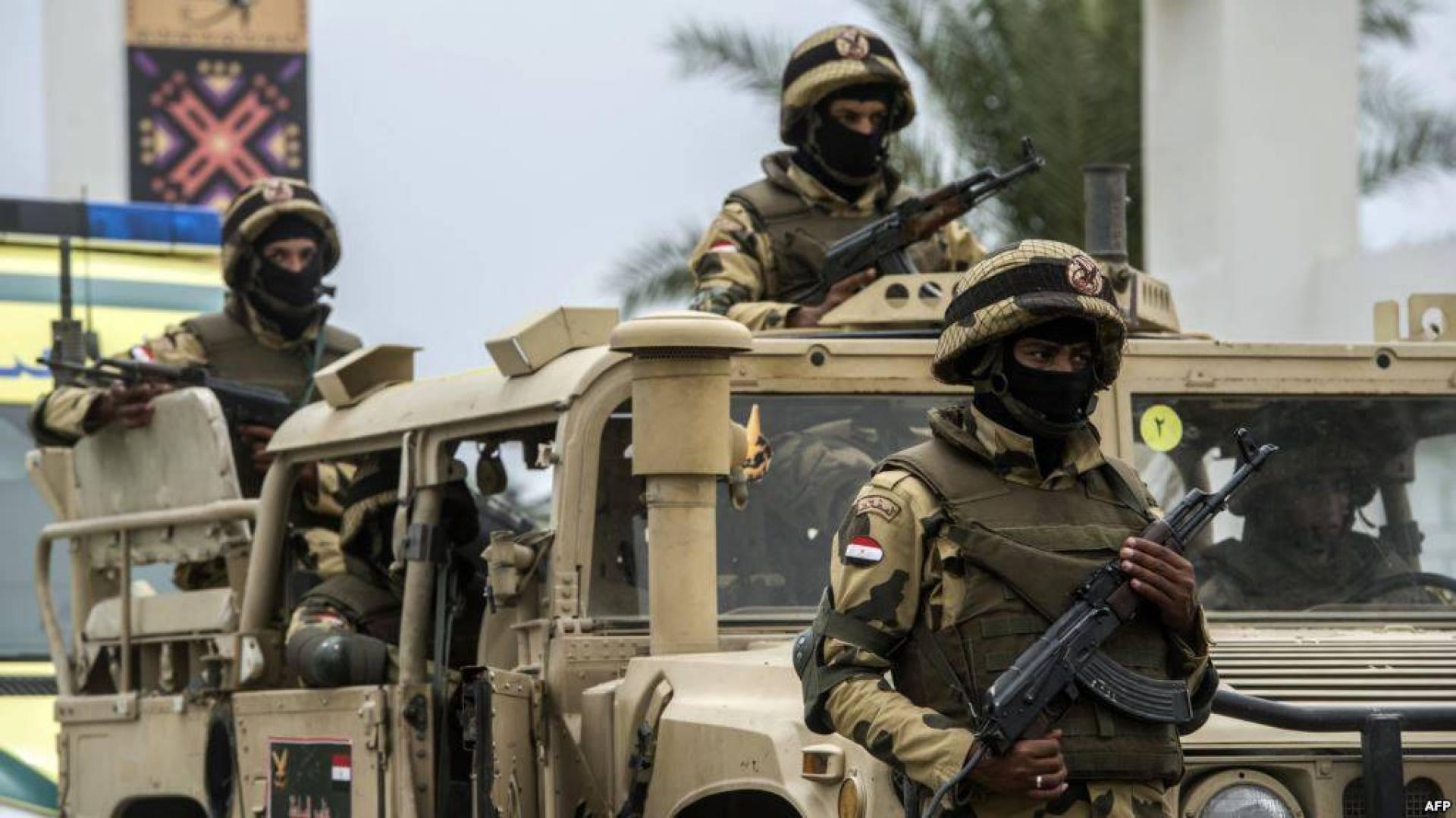 في هجوم إرهابي بسيناء: مقتل وإصابة 7 عسكريين مصريين