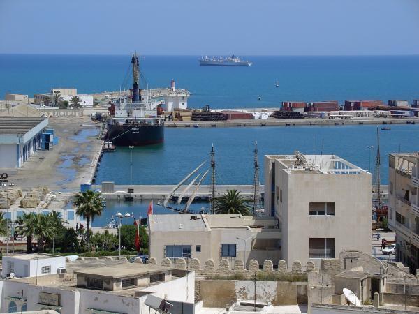 ميناء سوسة التجاري: الشروع في إجراءات بتة لبيع سفينتين أجنبيتين راسيتين منذ 2015 وخاضعتين لعقلة