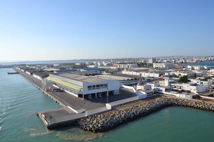 سوق للمنتوجات البحرية في ميناء حلق الوادي