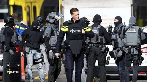 هولندا: انفجار رسالتين ملغومتين في مبنيين للبريد