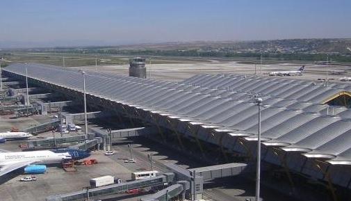 اغلاق مطار في مدريد بعد رصد طائرات مسيرة