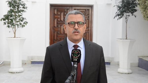 رئيس وزراء الجزائر : الوضع الاقتصادي يمر بمرحلة حرجة