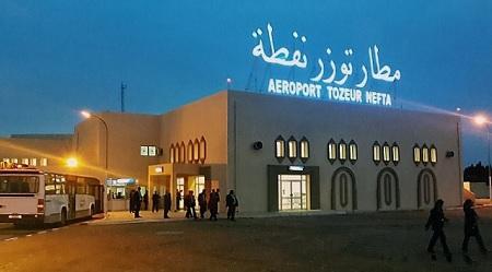 توزر: النقابات الامنية الأمنية تطالب بغلق مطار توزر نفطة الدولي