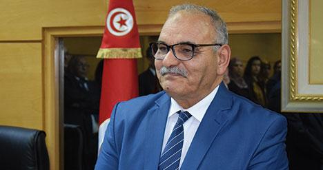 """وزير التجارة: """"عملية توزيع السميد و الفرينة ستكون تحت اشراف الجيش الوطني"""""""