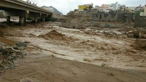 11 قتيلا في فيضانات جنوب إيران