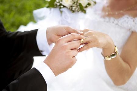 توقيا من كورونا: عقود الزواج دون حضور مدعوين (صور)