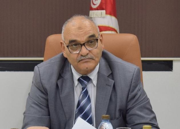 وزير التجارة يدعو الى عدم اللهفة على اقتناء المواد الاستهلاكية