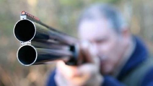 مكثر: فلاح يطلق النار على 3 أشخاص