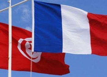 من بينها 6 الاف لباس واقي ..وزارة الدفاع تتسلم مساعدات طبية من فرنسا