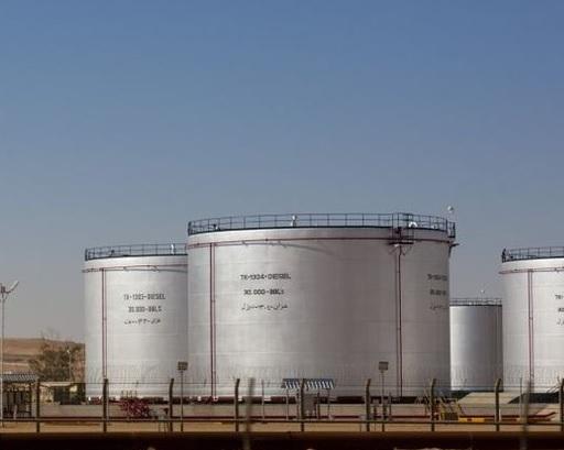 وزارة الطاقة:كلّ الخزانات ممتلئة…ولا يمكن لتونس استيراد كميات أخرى من النفط