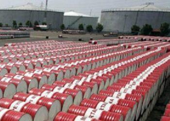 بعد امتلاء خزاناتها ..وزارة الطاقة تستعين بخزانات الجيش الوطني