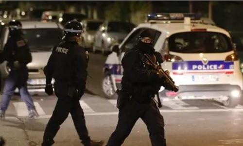 تجدّد الاشتباكات في ضواحي باريس