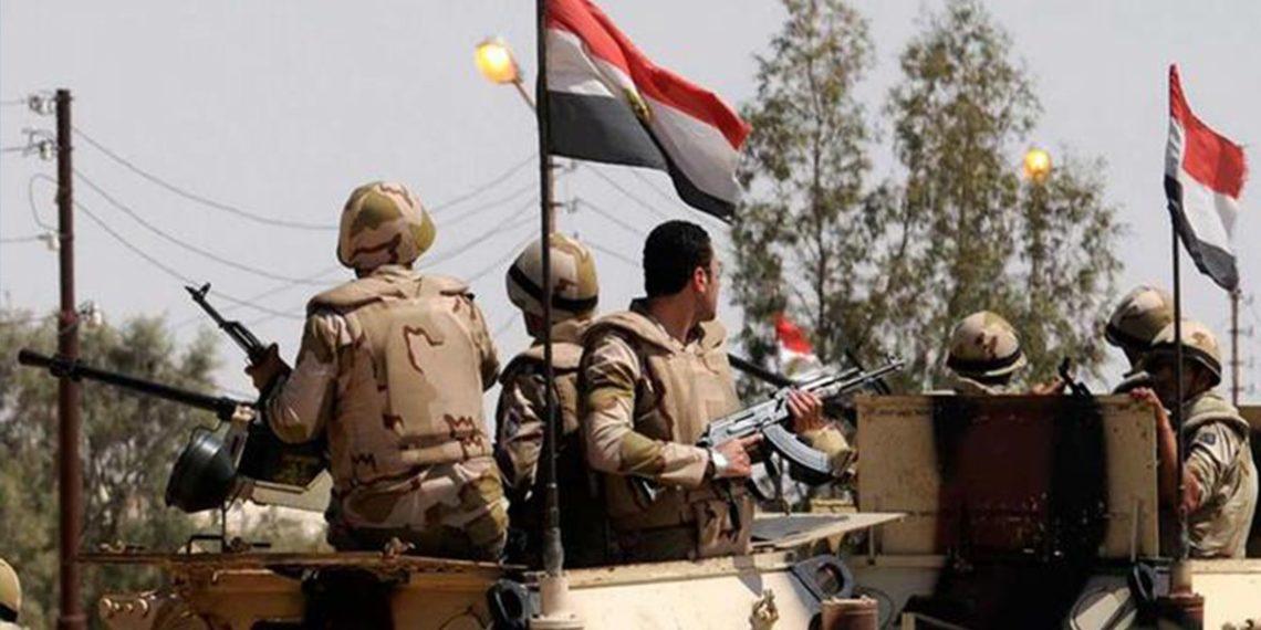 قتلى وجرحى من الجيش المصري في انفجار عبوة ناسفة بسيناء