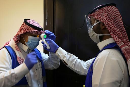 كورونا : 21 وفاة و5730 إصابة جديدة في دول الخليج