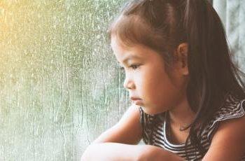 """ملايين الأطفال حول العالم سيكونون ضحايا """"من نوع آخر"""" لوباء كورونا"""