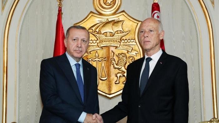 """الدفاع التركية :""""مساعدات الى تونس ..و رسالة من الرئيس اردوغان الى قيس سعيدّ"""""""