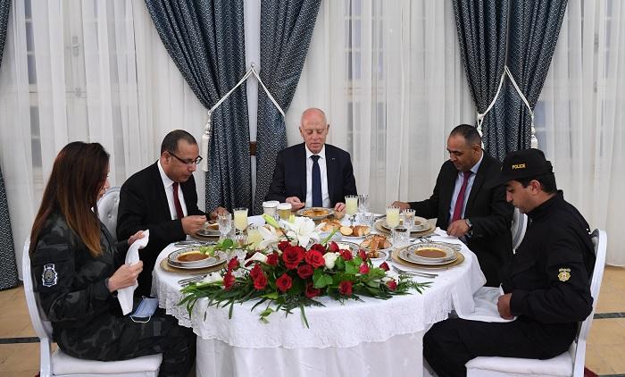 رئيس الجمهورية في زيارة للإدارة العامة لوحدات التدخل بثكنة بوشوشة