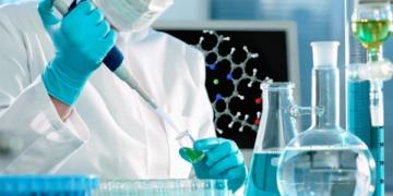 واشنطن: أدلة «هائلة» تشير إلى أن مصدر كورونا مختبر في ووهان