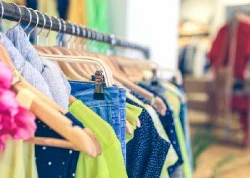 ابتداء من اليوم :فتح  محلات بيع الملابس بالليل