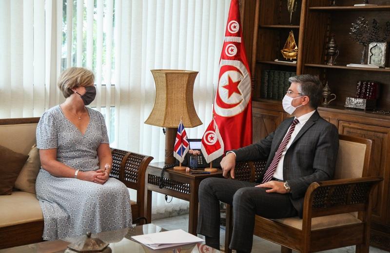 وزير السياحة يلتقي سفيرة بريطانيا بتونس