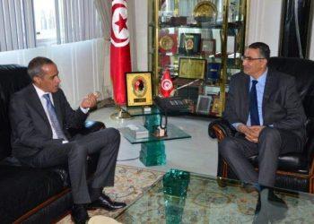 وزير الدفاع يلتقي سفير الجزائر بتونس