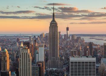 نيويورك تحت حظر التجول بسبب عمليات النهب