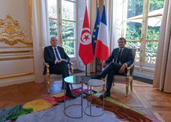 فرنسا تمنح تونس قرضاً جديداً بقيمة 350 مليون يورو