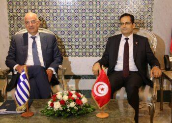 """وزير الخارجية :""""تونس ترفض التدخل الخارجي و العسكري بليبيا """""""