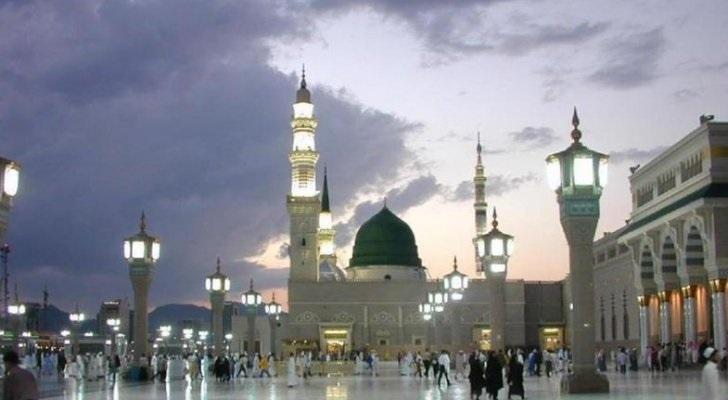 السعودية تعيد فتح المساجد