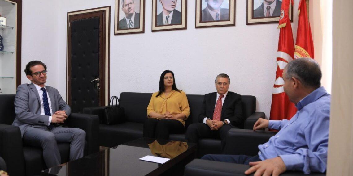 بحضور نبيل القروي: نورالدين الطبوبي يلتقي وفدا عن قلب تونس