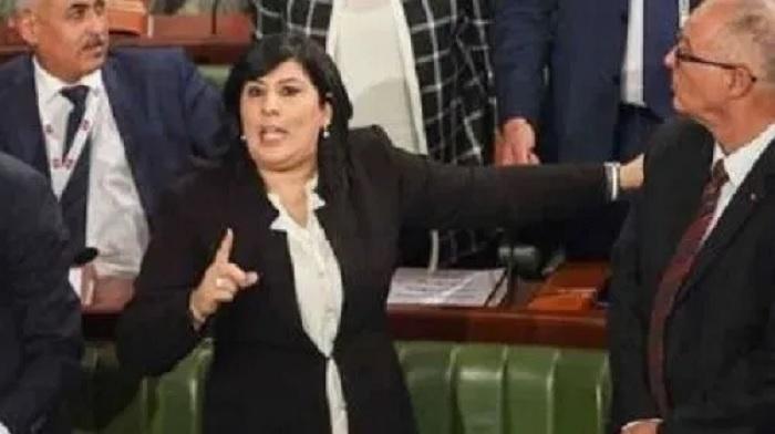 الدستوري الحر يقطعون أشغال اليوم البرلماني حول استراتيجية مكافحة الفساد