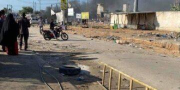 """مقتل 15 شخصا بهجوم لحركة """"الشباب"""" على فندق فخم في مقديشو"""