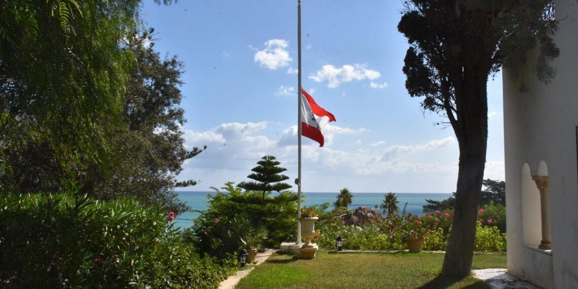 رئيس الحكومة يقدّم واجب التّعازي لسفير لبنان لدى تونس(صور)