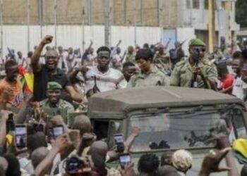 انقلاب مالي: جنود متمردون يعتقلون الرئيس ويجبرونه على الاستقالة