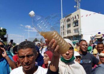المرناقية: غلق الطرقات من اجل المطالبة باعادة التزود بمياه بني مطير