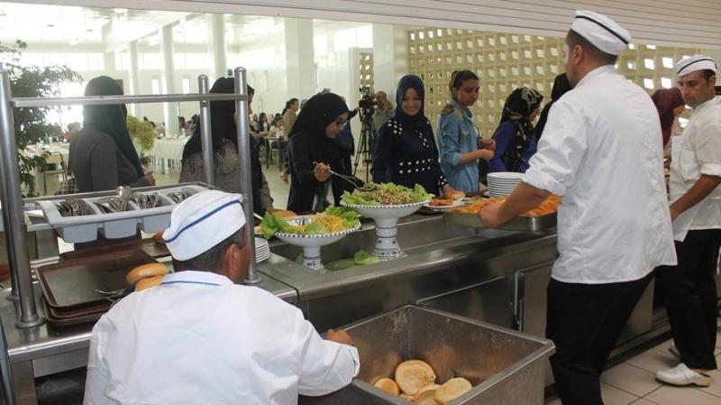 إضراب بجميع المطاعم الجامعية