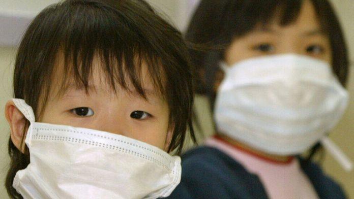 علماء يحددون أعراضا جديدة لفيروس كورونا لدى الأطفال
