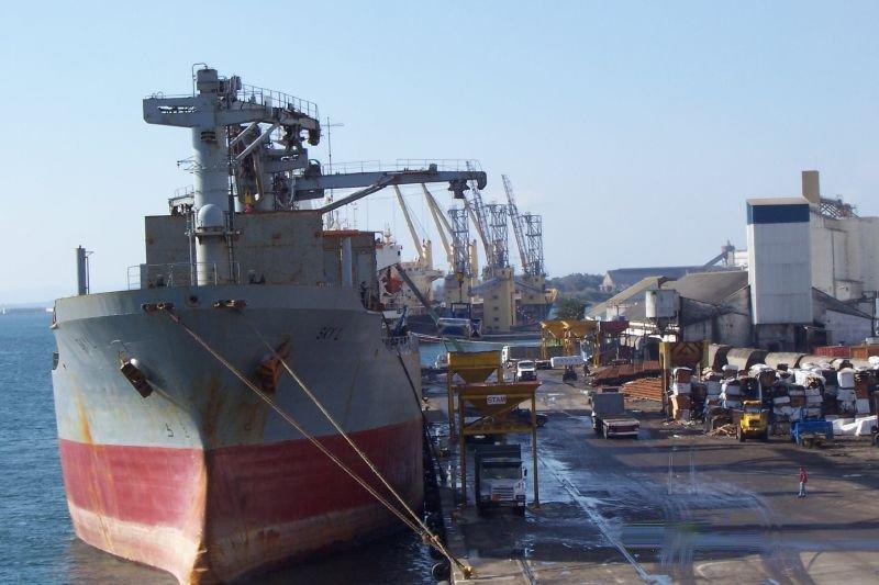 أكتوبر القادم: استئناف أشغال مشروع تهيئة المسطحات بميناء بنزرت