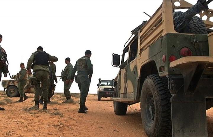 الوحدات العسكرية برمادة ترصد تحرّكات مشبوهة لسيارات قادمة من ليبيا