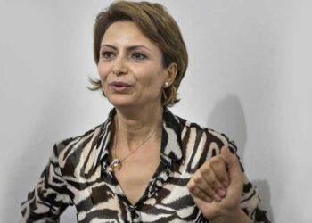 زوجة قيس سعيّد تعترض على قرار نقلتها إلى صفاقس