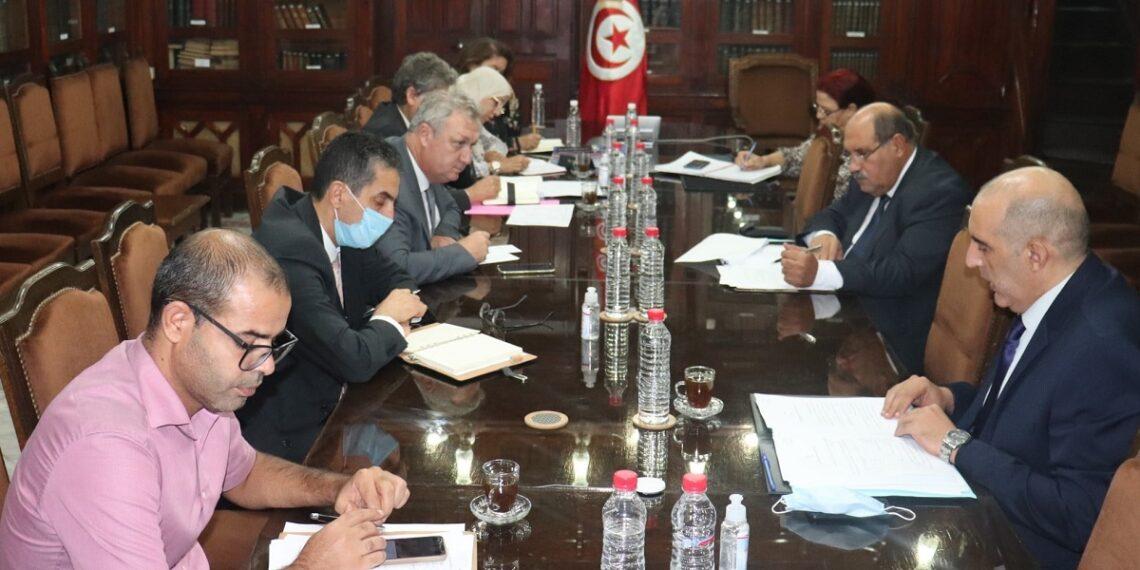 جلسة عمل تجمع وزير التجارة بوزير الاقتصاد