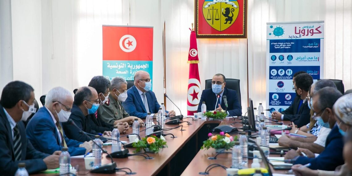 رئيس الحكومة يشرف على رؤساء اللجان الفنية المختصة في مكافحة كورونا