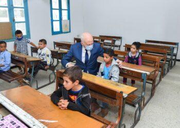 """رئيس الجمهورية يؤدي زيارة لمدرسة الشهيدة """"مها القضقاضي """""""