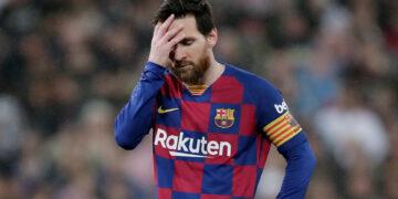 ميسي يتراجع عن قرار مغادرة برشلونة
