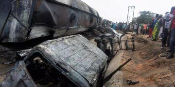 مقتل 23 شخصاً في نيجيريا في انقلاب شاحنة محملة بالوقود