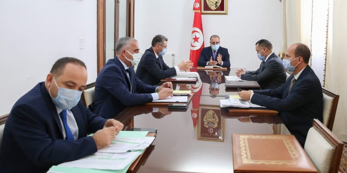 رئيس الحكومة يشرف على جلسة عمل أمنية