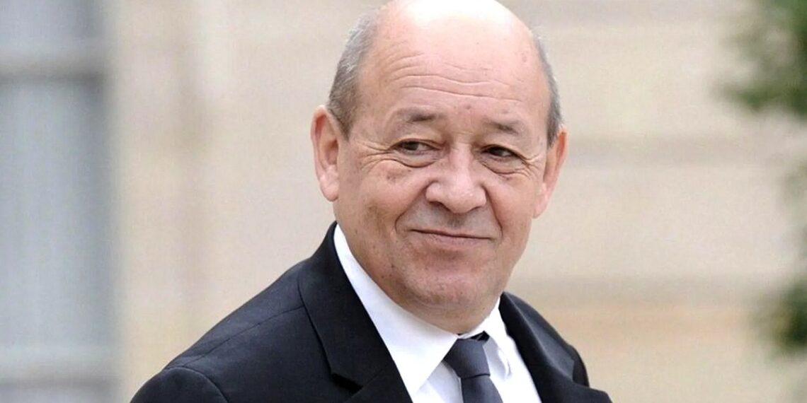 وزير الخارجية الفرنسي يزور الجزائر لبحث الوضع في ليبيا