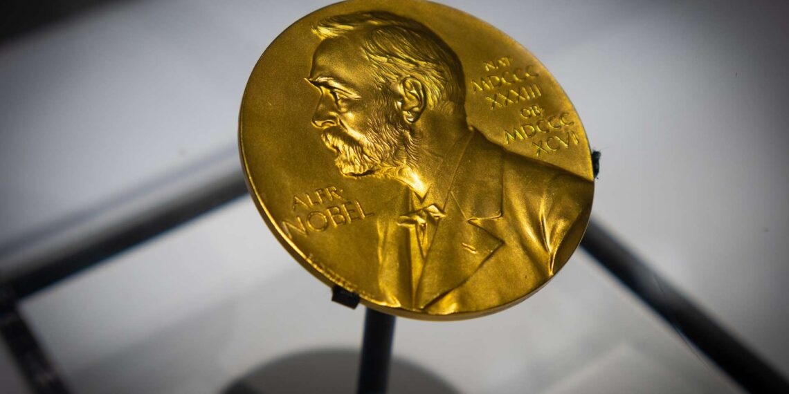 الأمريكيان بول ميلغروم وروبرت ويلسون يفوزان بجائزة نوبل للاقتصاد