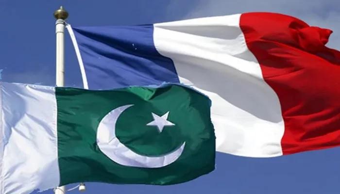 باكستان تستدعي السفير الفرنسي